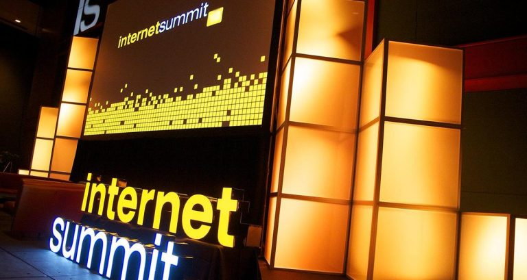 Stage-at-Internet-Summit-1200x640